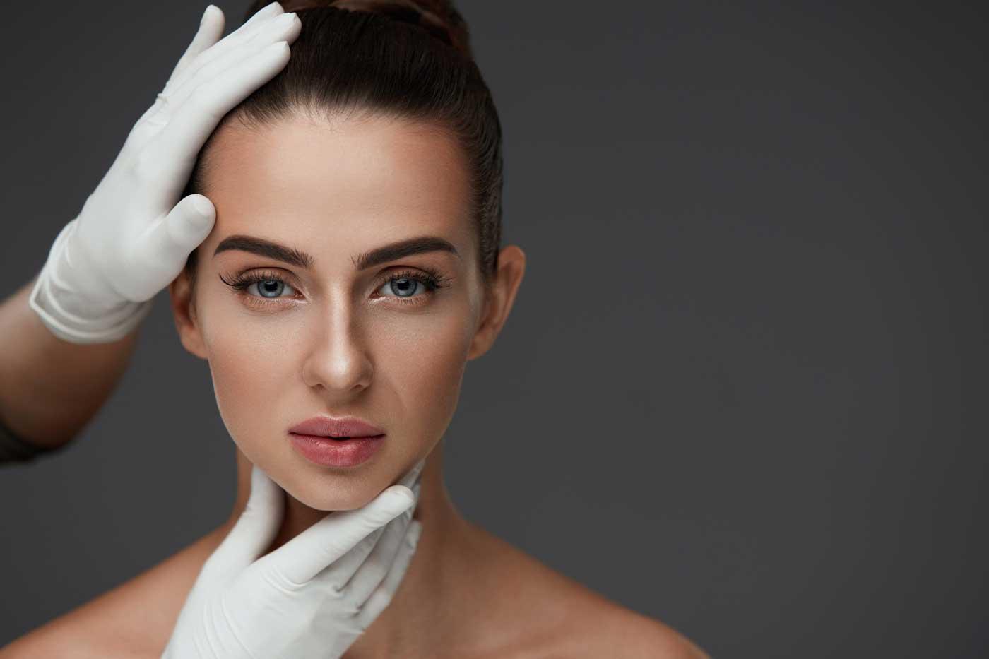 Modelowanie owalu twarzy Kaniowscy Clinic