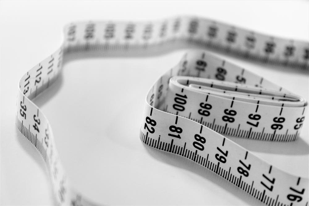 Mierzenie brzucha centymetrem